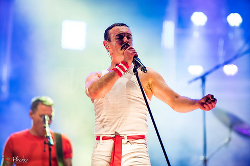 ONE NIGHT OF QUEEN (Gary Mullen & The Works Official)