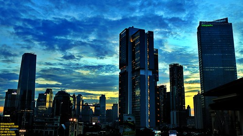 canon eos 750d rebel t6i dslr landscape street shot travel trip noflash handheld explore color colour outdoor efs 1855 stm metro metropolis city cityscape modern building skyscraper tower architecture design structure exterior icon landmark office apartment hotel condo ascott tokopedia dusk sunset sun sky skyline horizon orange golden hour beautiful cloud cloudy wide blue bluehour jakarta indonesia capitalcity dki dkijakarta java southeast asia sea room view satrio kasablanka anhotel beauty