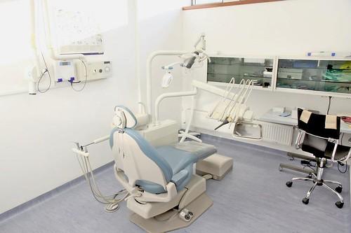 Klinika za zobne vsadke