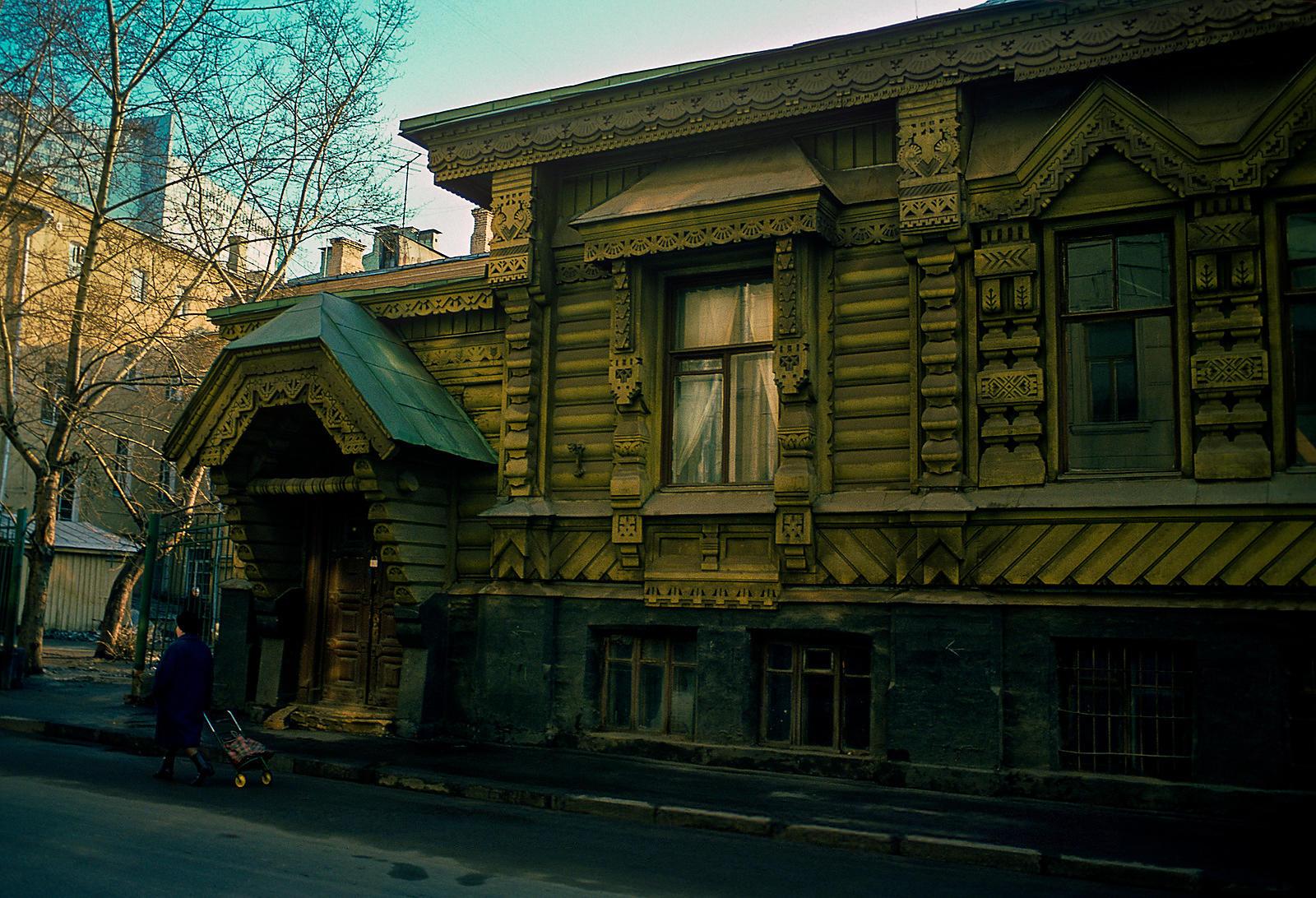 Староконюшенный переулок, 36