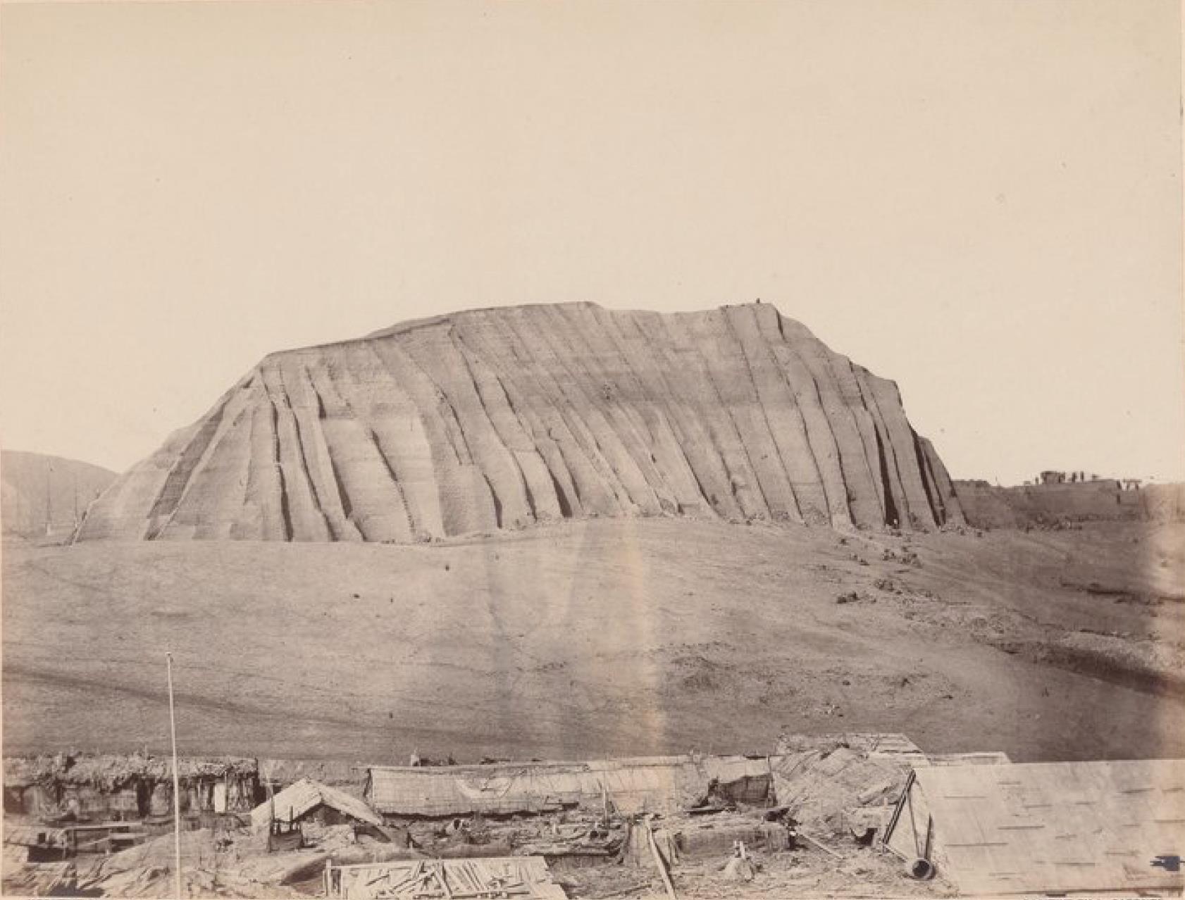 Острова Чинча. Громадная куча гуано (2 000 000 тонн)