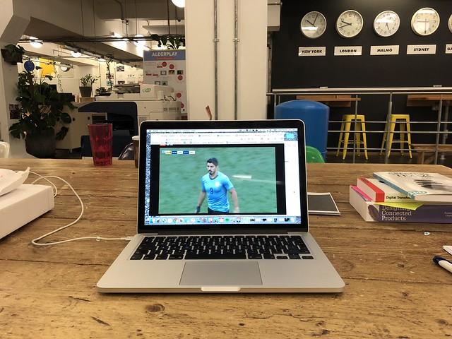 Uruguay 1 - 0 Saudi Arabia