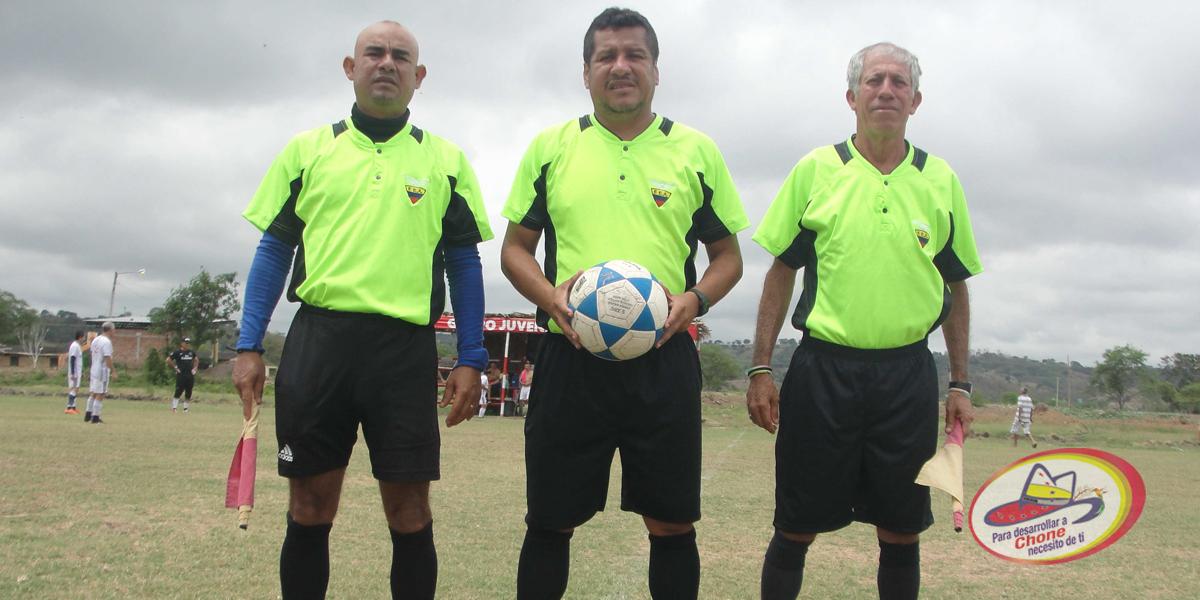 8 equipos clasificaron a los cuartos de final de la copa de fútbol Dr. Deyton Alcívar