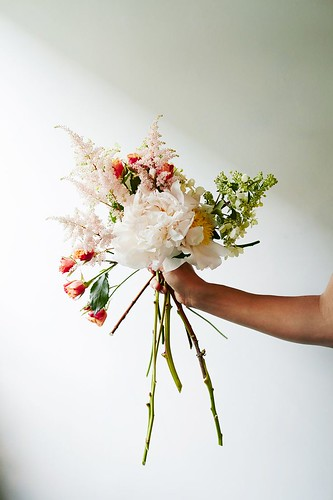 Weddings Flower Arrangements : Easy flower arranging tips for the perfect DIY wedding bouquet