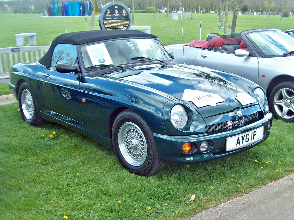 657 MG RV8 (1995) | MG RV8 (1993-95) Engine 3940cc V8 Produc… | Flickr