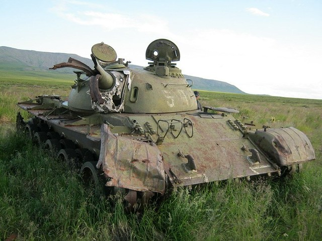 tank_ostavlennyiy_na_pamyat_