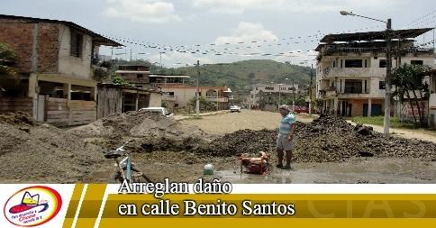 Arreglan daño en calle Benito Santos