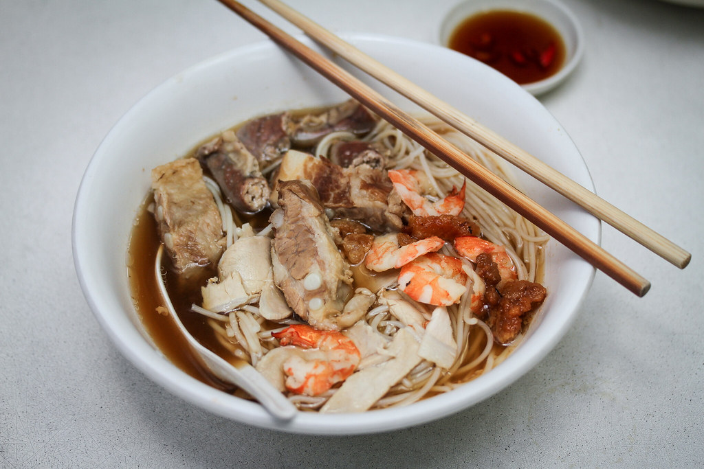 鸡腿虾米肠排虾面