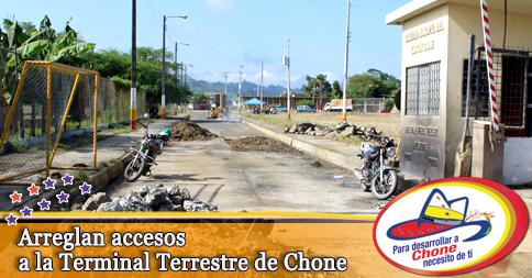 Arreglan accesos a la Terminal Terrestre de Chone