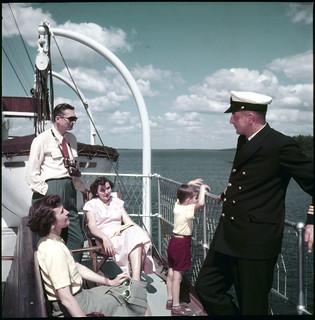 The Canadian Pacific Railway cruise ship Assiniboia leaves Port McNicoll on Georgian Bay for Port Arthur... / Le navire de croisière Assiniboia du Canadien Pacifique quitte Port McNicoll, dans la baie Georgienne, pour Port Arthur...