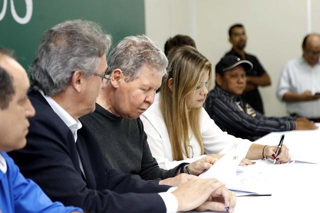 12.07.2018 A Prefeitura de Manaus e a Eletrobrás Amazonas Energia assinaram um Termo de Contrato de Redução do Percentual de Cobrança pela Prestação de Serviços.