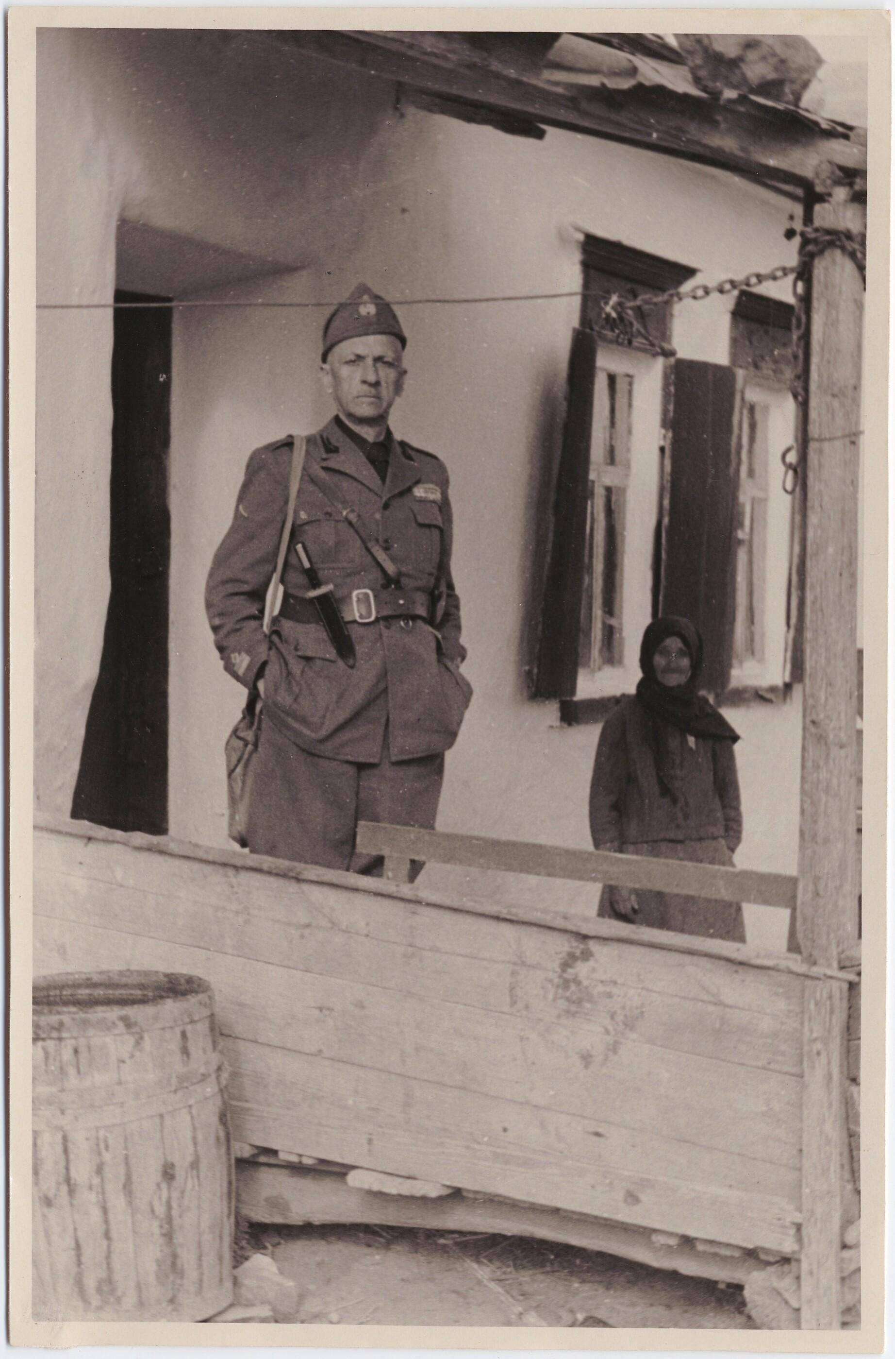 1942. Филиппо Томмазо Маринетти с крестьянкой