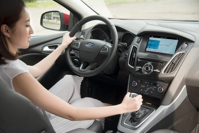 【圖一】Ford今年舉辦女性專屬的安全節能駕駛體驗營,首次規劃女性專屬駕駛課程,傳授行車安全知識及正確駕駛技能,鼓勵女性享受安心自信的用車生活!