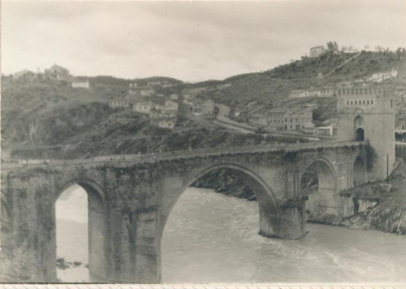 Río Tajo y Puente de San Martín en 1962. Fotografía de Julián C.T.