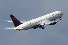 N1402A - Delta Boeing 767-300