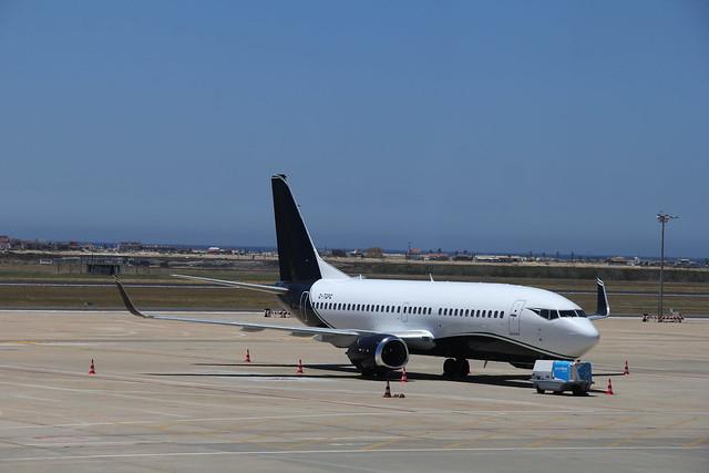 TAG Aviation G-TGPG Boeing 737, Faro Airport