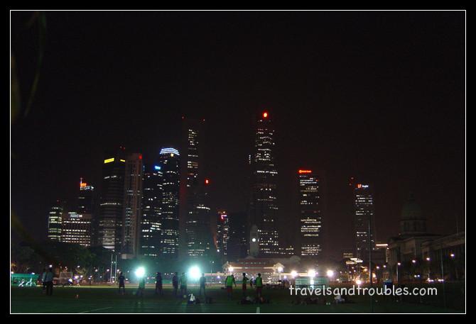 "De Skyline achter de ""Singapore Padang"""