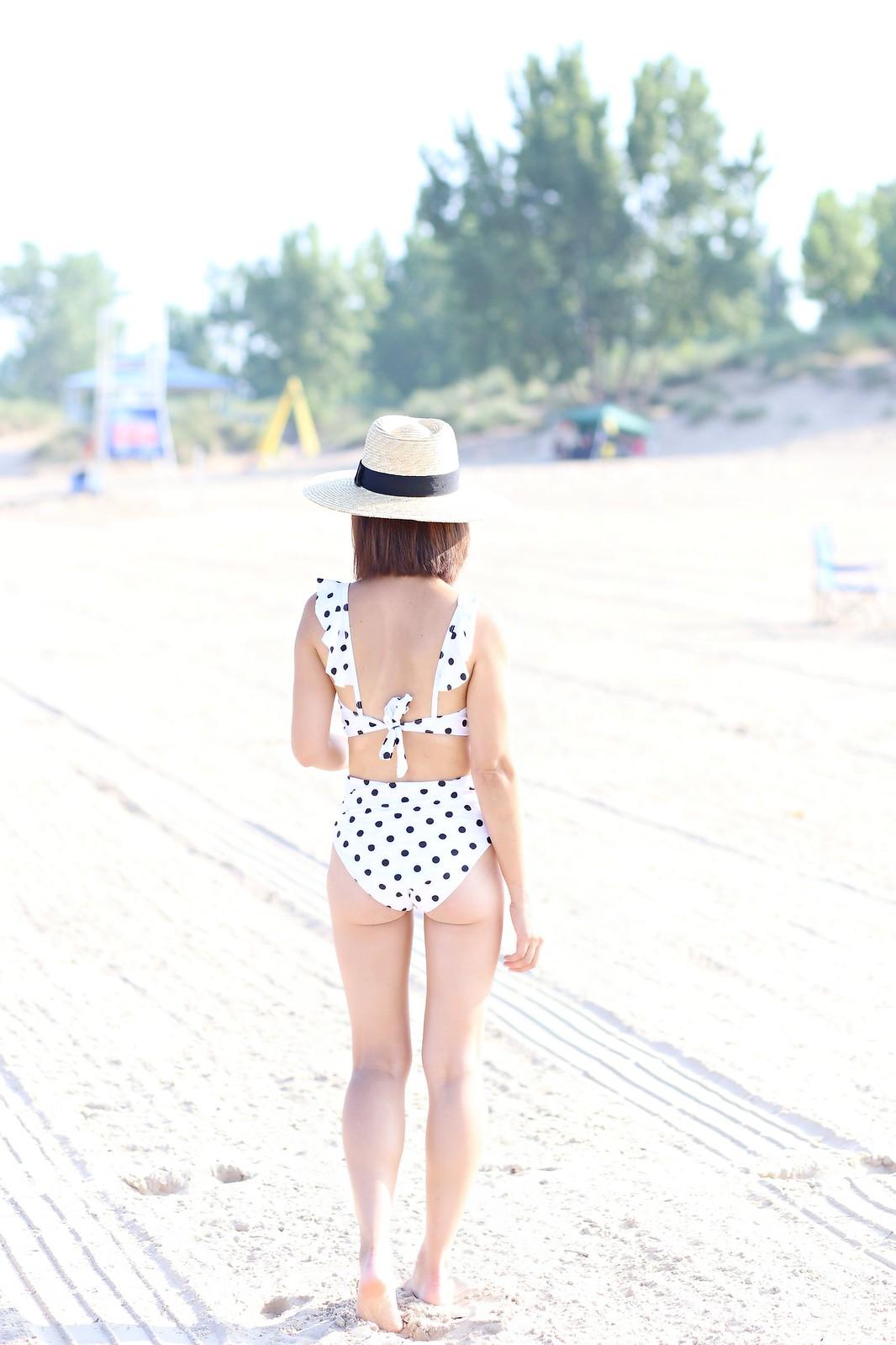 PolkaDotsSwimsuit_SydneysFashionDiary