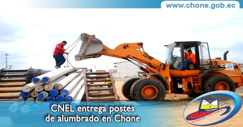 CNEL entrega postes de alumbrado en Chone