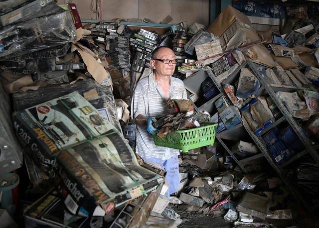 日本「模型聖地」遭西日本豪雨重創,店內 10 萬件模型全泡水