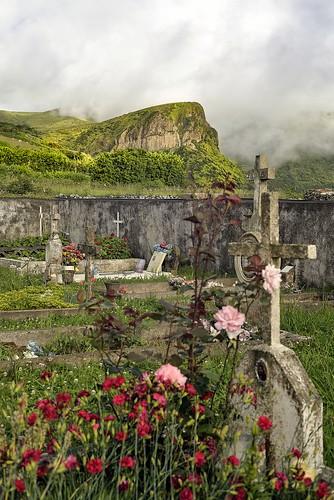 Burying Field and Rocha dos Bordoes (bottom)