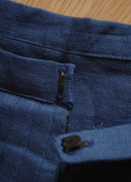 fermeture agrafe jupe