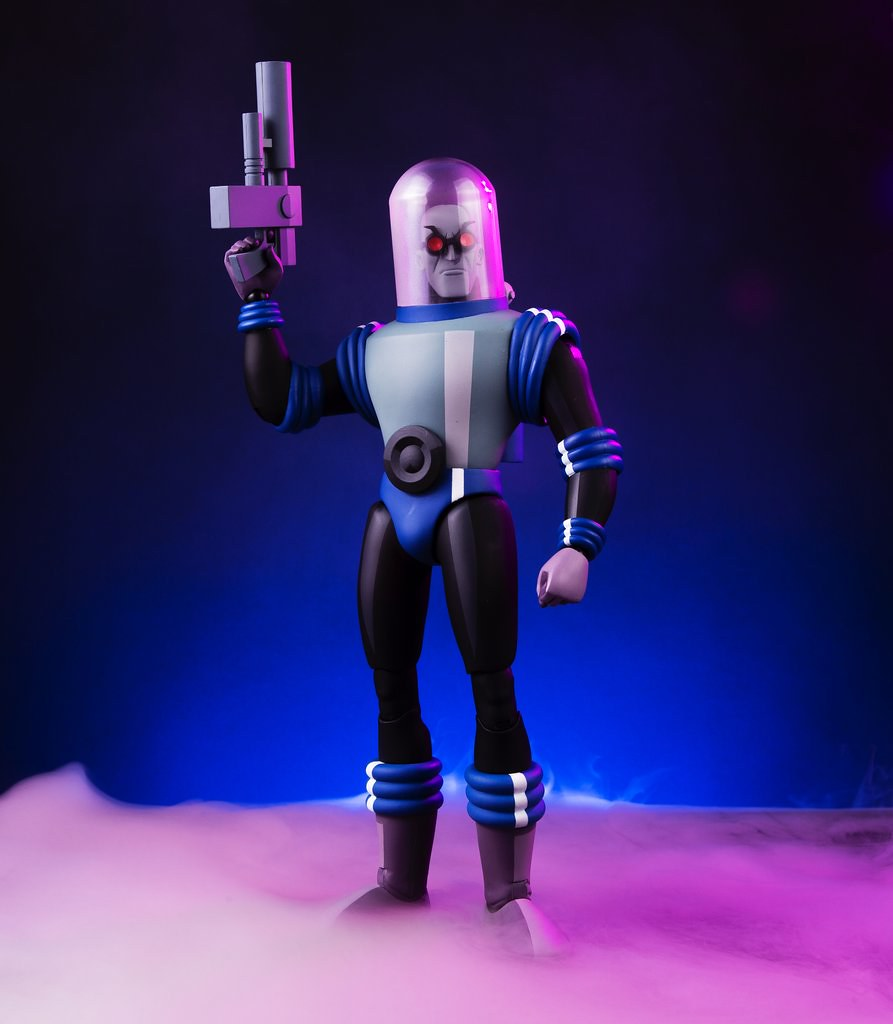 A Heart of Ice! Mr. Freeze 1/6 Scale Figure by Mondo - Batman: The Animated Series