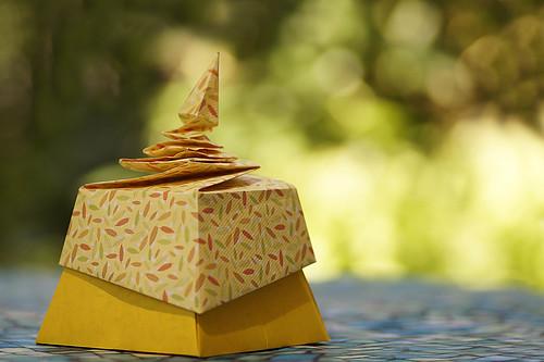 Origami Pagoda Box (Tomoko Fuse)