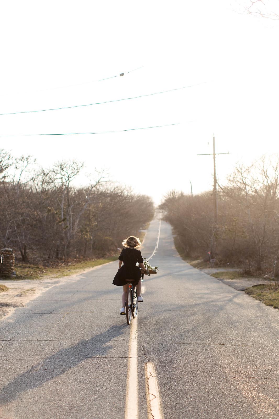 Biking through the vineyard on juliettelaura.blogspot.com