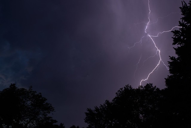 Arvada Colorado lightning strike, Canon EOS 80D, Canon EF 35mm f/2 IS USM