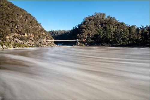 longexposure blue sky water reflections clouds clear trees reflektionen wasser fluss river bäume launceston suspension bridge launcestonalexandrasuspensionbridge australia australien tasmanien tasmania canoneos5dmarkiv ef2470mmf28liiusm