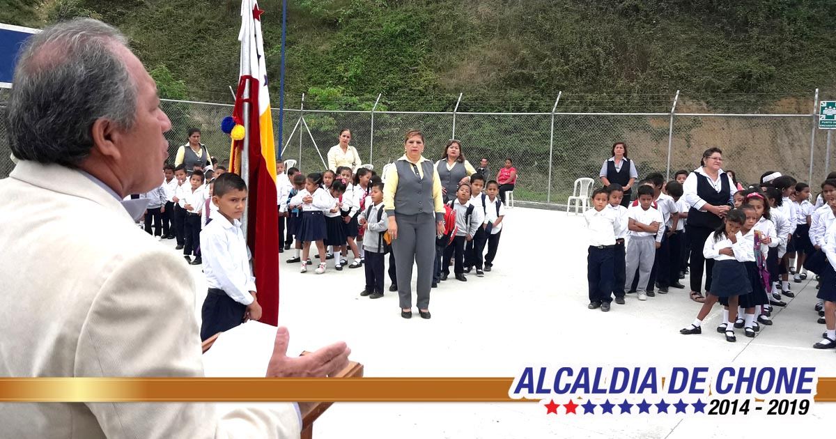 Alcalde asistió al espacio Cívico en la Unidad Educativa Douglas Solórzano Vera