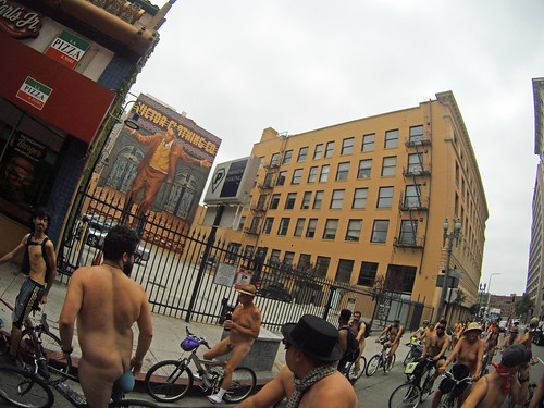 L.A. World Naked Bike Ride 2018 (113654) Anthony Quinn-Victor Clothing Co mural