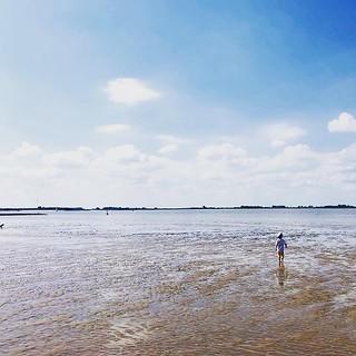 """Aus der Kategorie """"In Schleswig-Holstein aufwachsen"""" Strand geht immer. Elbe geht immer. Hauptsache Wasser"""