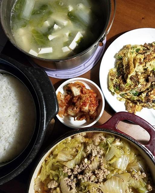 20180718 ✓秒殺白菜滷肉 ✓菜脯蛋(菜脯婆婆曬的) ✓韓式泡菜 ✓小白菜豆腐味噌湯 ✓鍋煮白飯 #葛蘿的餐桌