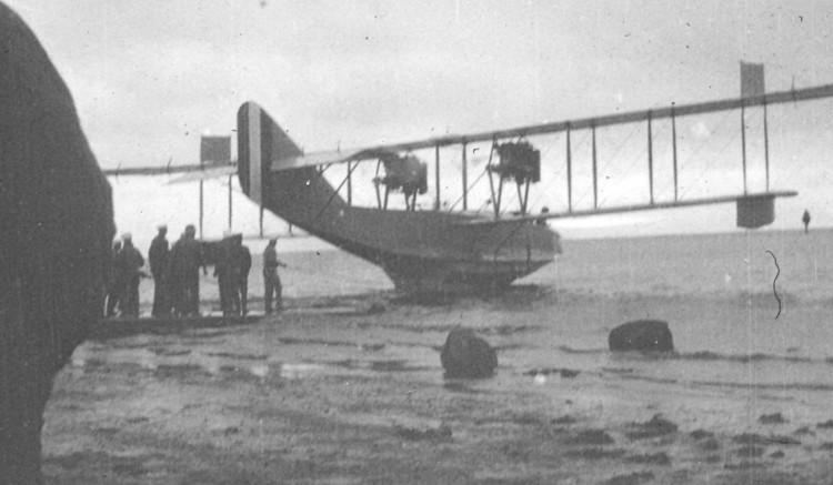 A Curtis flying boat on Lough Foyle in 1918 -small