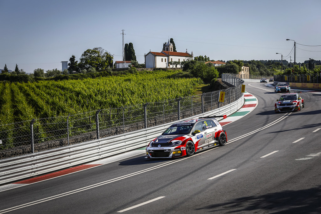 12 HUFF Rob, (gbr), Volkswagen Golf GTI TCR team Sebastien Loeb Racing, action during the 2018 FIA WTCR World Touring Car cup of Portugal, Vila Real from june 22 to 24 - Photo Francois Flamand / DPPI