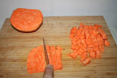 25 - Süßkartoffel würfeln / Dice sweet potato