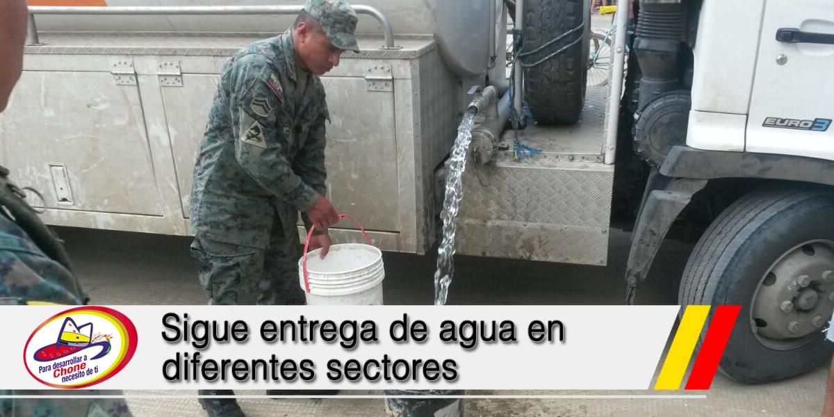 Sigue entrega de agua en diferentes sectores