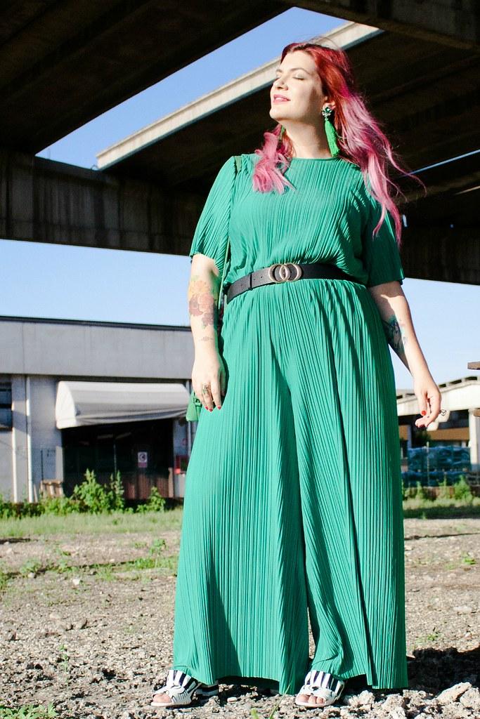 Outfit plus size tuta monki verde e blaze bianco (4)