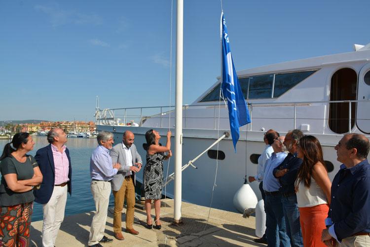 bandera azul puerto sotogrande52
