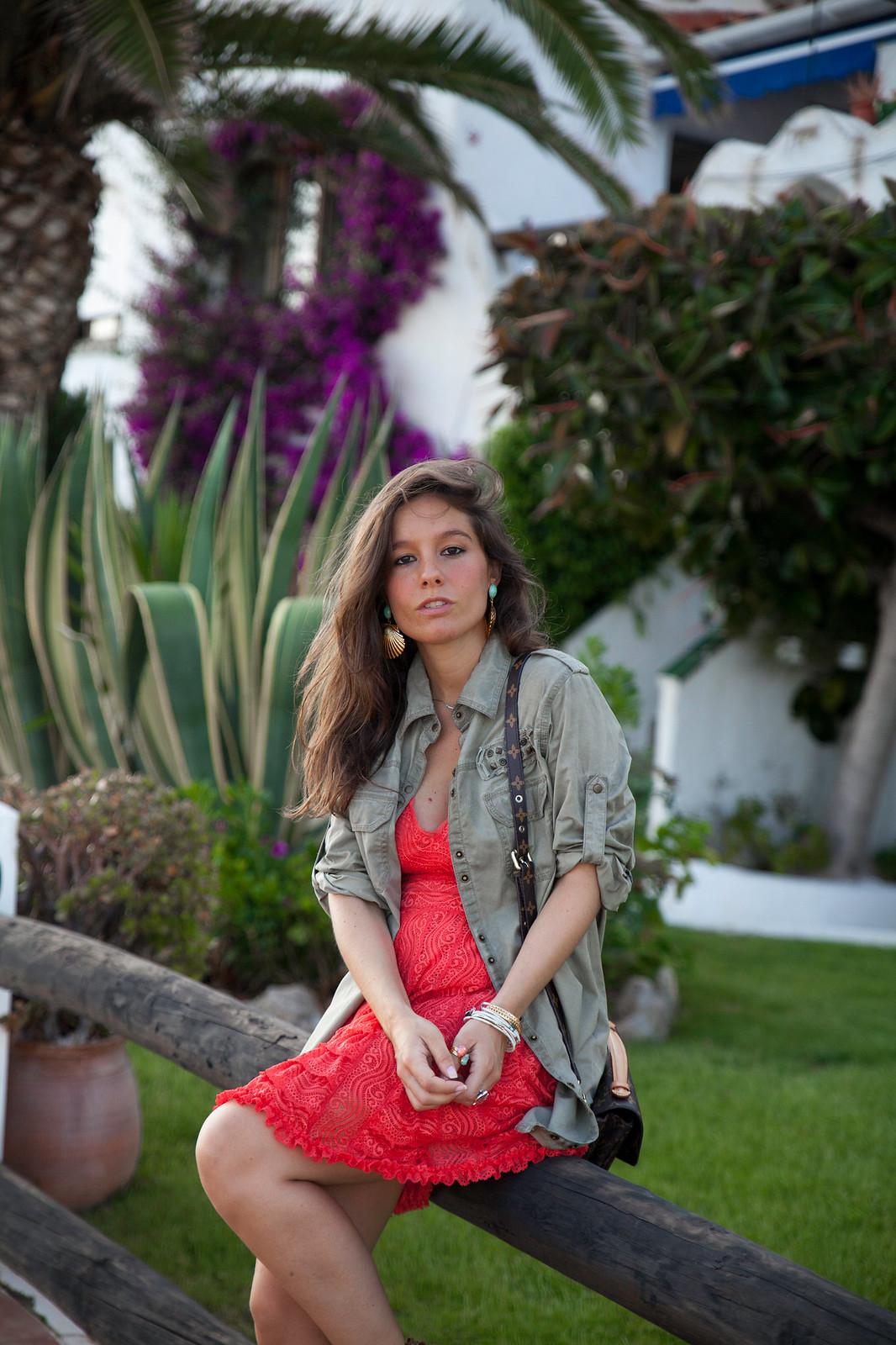 03_como_combinar_vestido_coral_highlypreppy_theguestgirl_influencer_barcelona