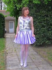 Shiny short skirt