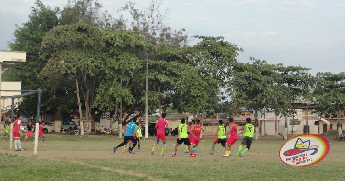 Municipio prepara II campeonato de fútbol Infanto Juvenil zona norte de Manabí copa Dr. Deyton Alcívar