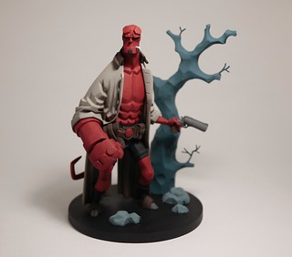 全新系列展開,來自地獄的鮮紅色身影再度強襲!! Fariboles Productions Hellboy Characters Artistic Collection 系列【地獄怪客】Hellboy 1/8 比例全身雕像作品