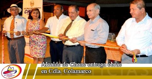 Alcalde de Chone entrega obras en Cdla. Colamarco