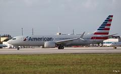 Boeing 737 MAX 8 (N323RM) American Airlines