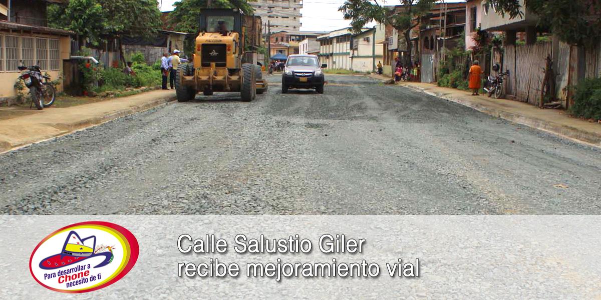 Calle Salustio Giler recibe mejoramiento vial
