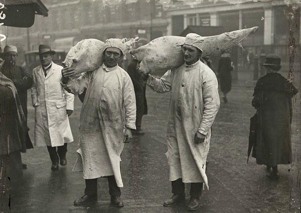 STORY 6 Smthfield Market Porters 1910
