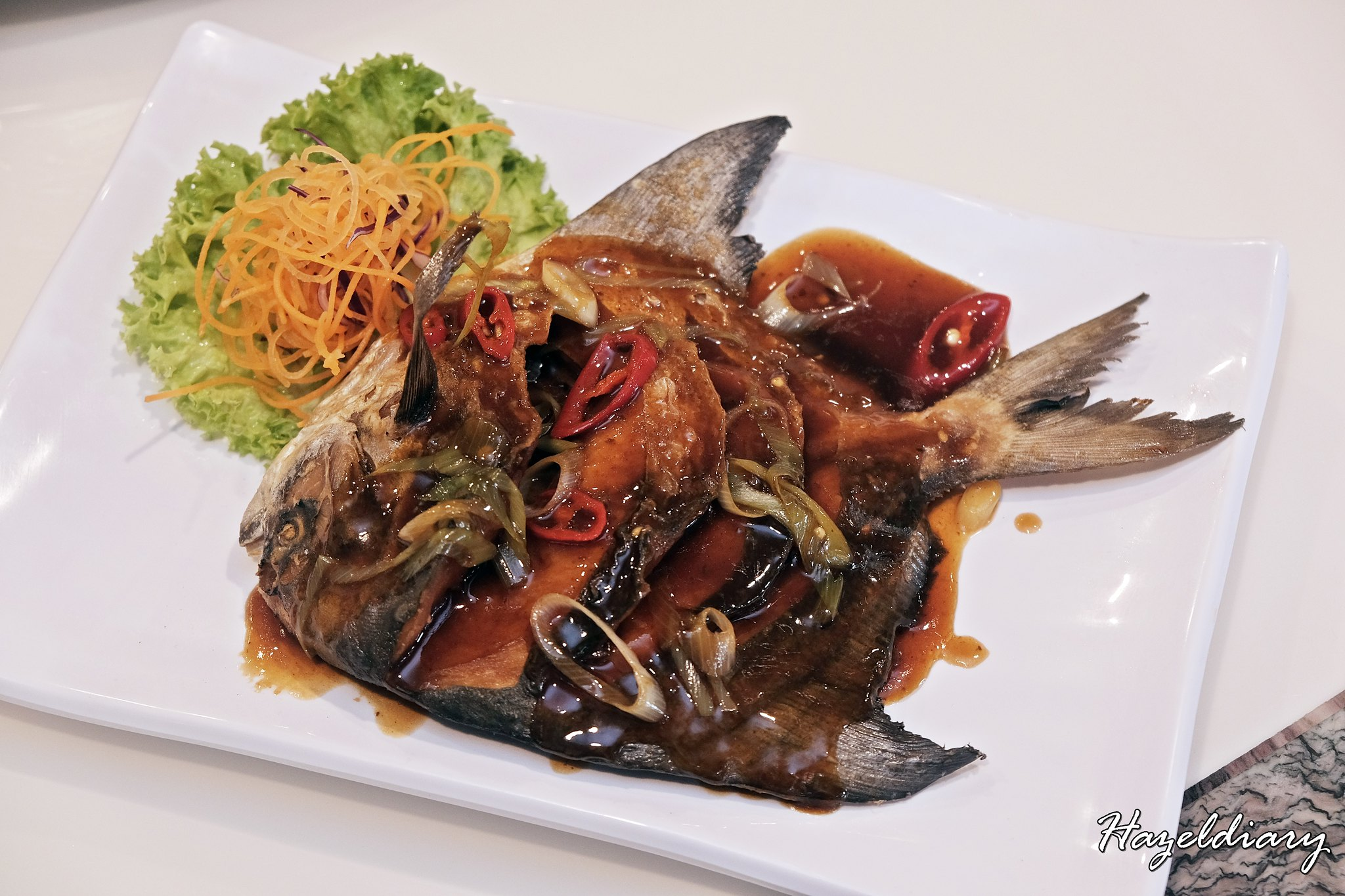 Goldleaf Katong Square-Deep Fried White Pomfret with Black Bean